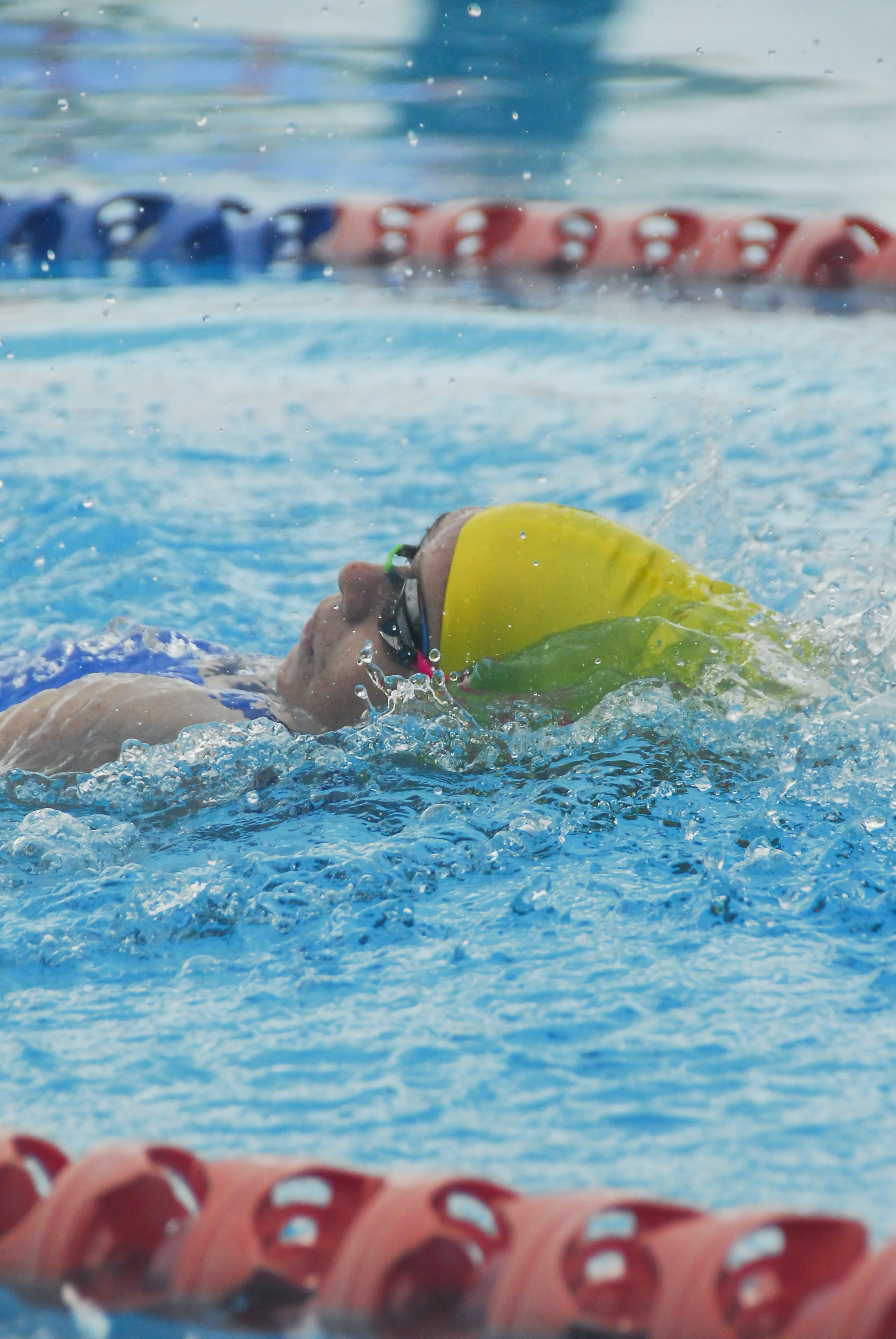 Kostenloses Stock Foto zu athlet, baden, badeort, brille