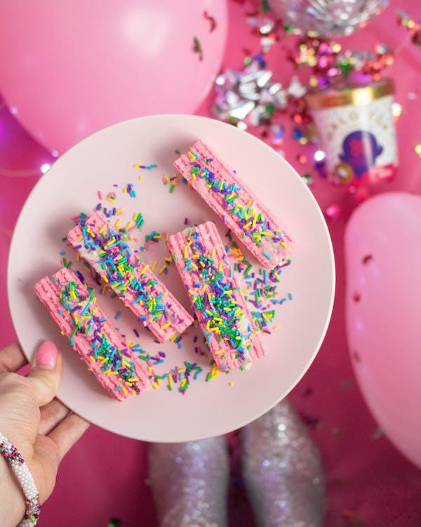 ballon, cake, confetti