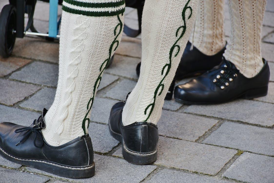 calcetines, calzado, cuero