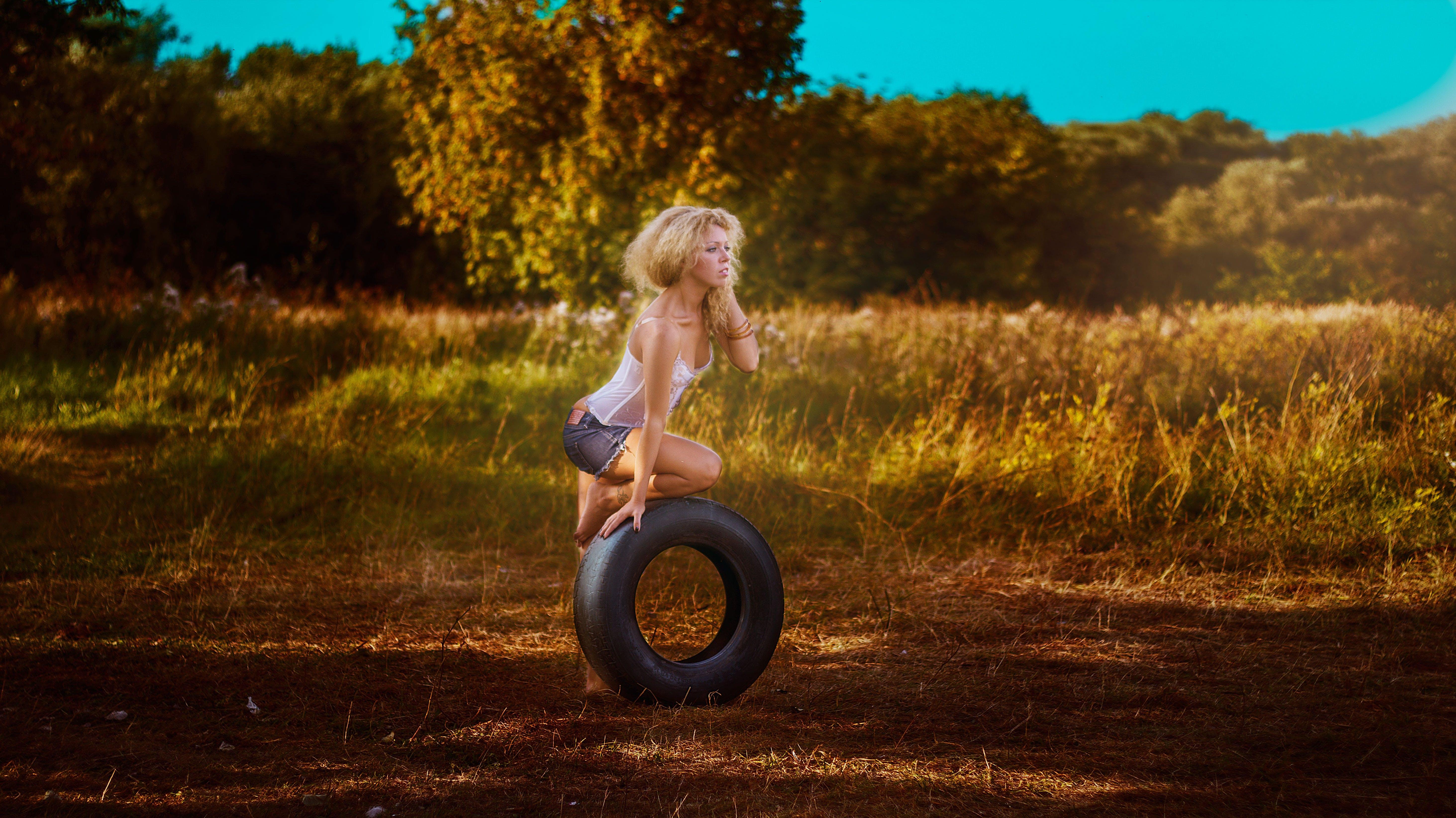 beauty, blonde, dry grass