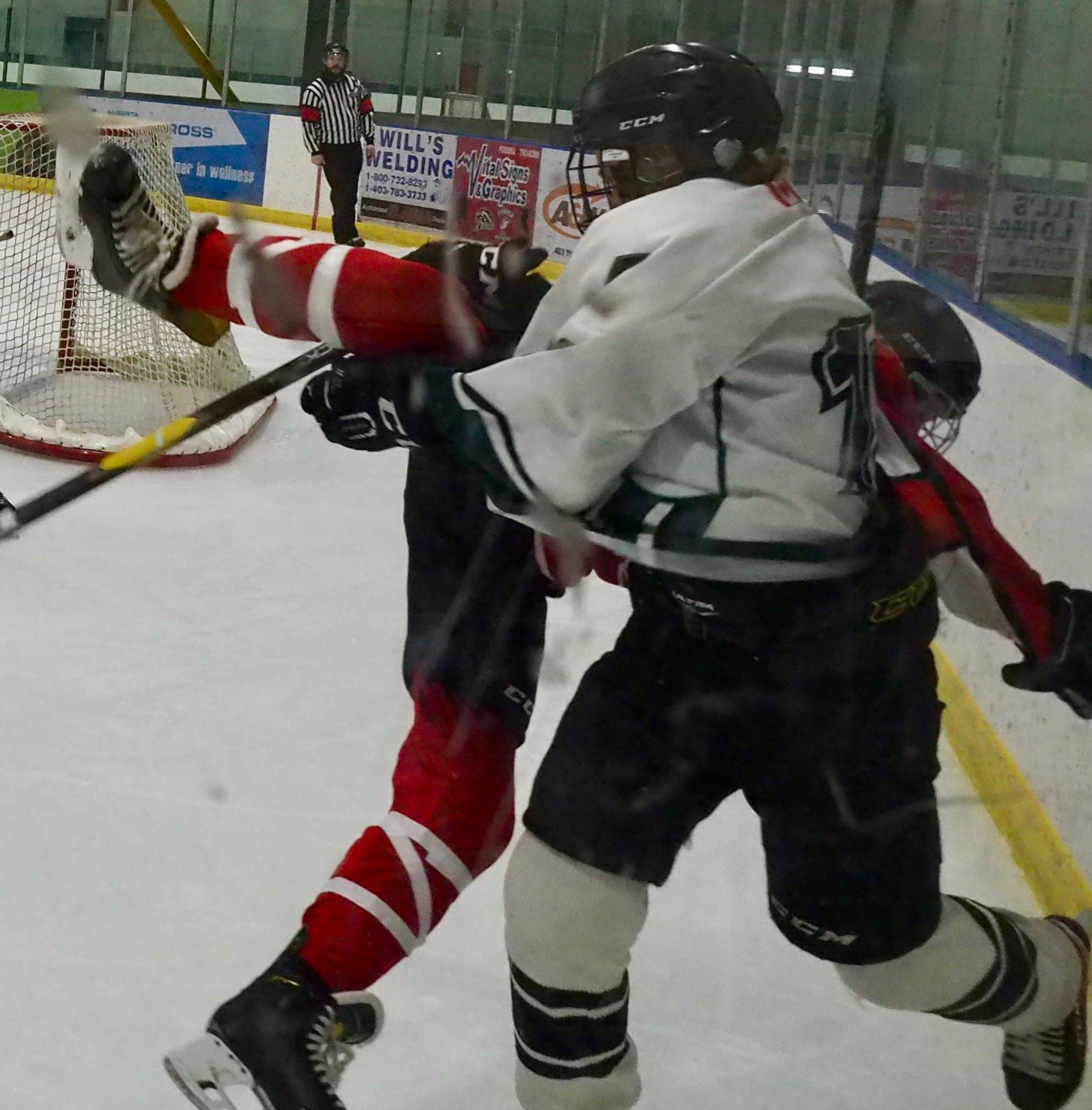 Free stock photo of Big hit, ice hockey