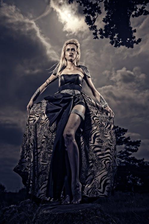 Foto d'estoc gratuïta de bonic, femella, ferotge, moda