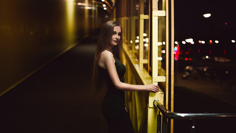Безкоштовне стокове фото на тему «відображення, вечір, вродлива, гламур»