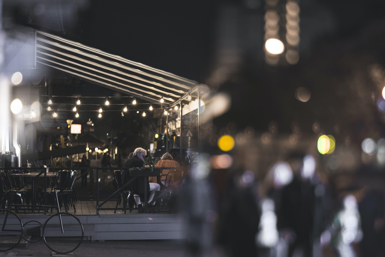 Foto stok gratis bangunan, cahaya, cahaya malam, dingin