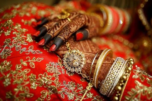 Black Floral Hand Mehndi