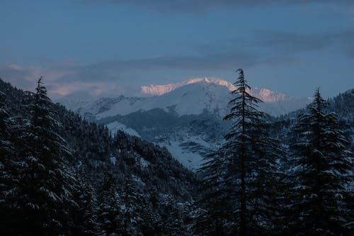 Δωρεάν στοκ φωτογραφιών με βουνό, νωρίς το πρωί, χιονισμένο βουνό