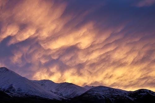 Δωρεάν στοκ φωτογραφιών με βραδινός ουρανός, δύση του ηλίου, σύννεφα
