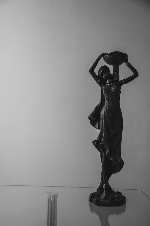 Darmowe zdjęcie z galerii z backgrond, ciemny, czarny, kobieta
