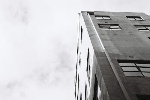 Fotos de stock gratuitas de acero, alto, arquitectura, blanco y negro