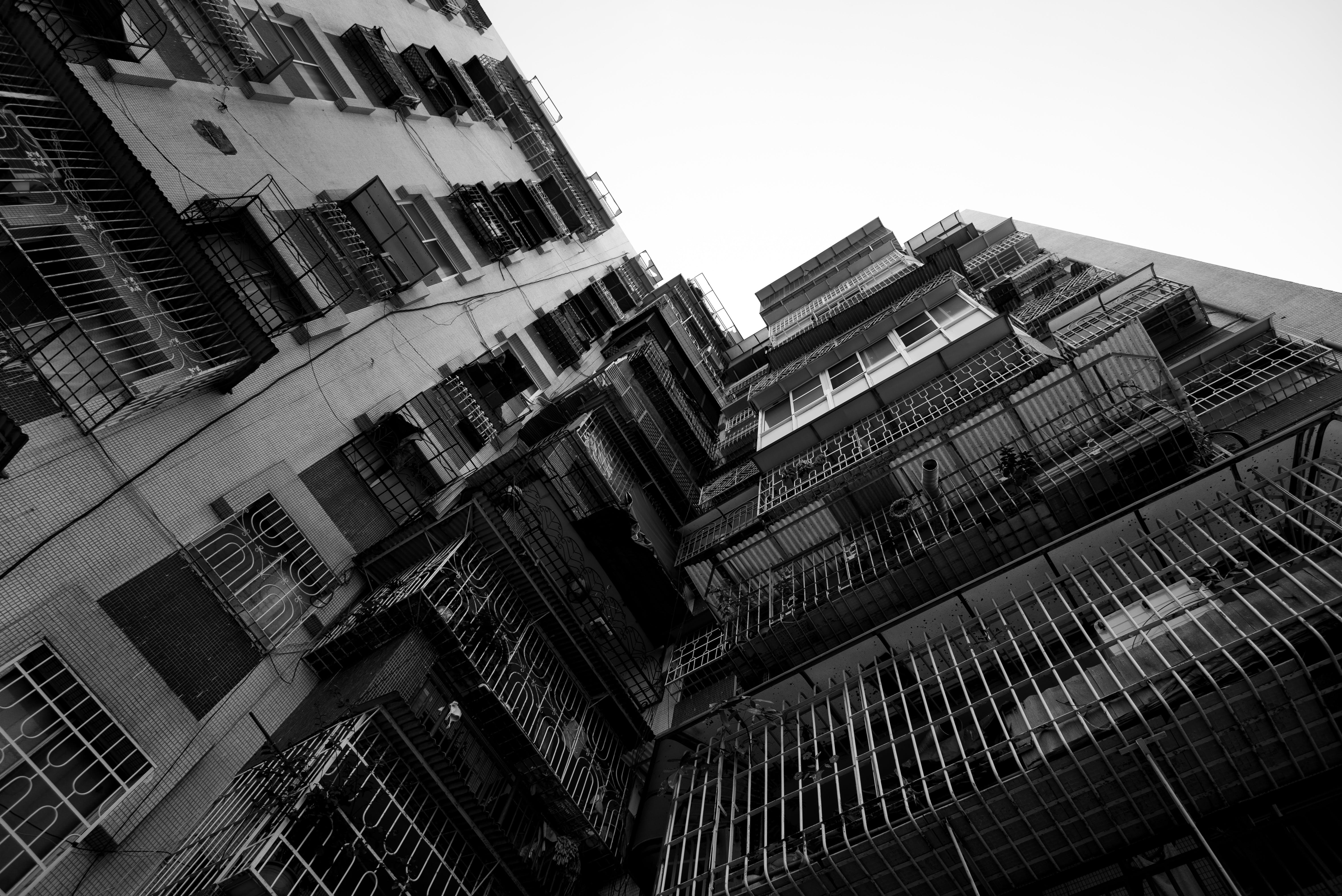 Foto d'estoc gratuïta de arquitectura, Àsia, blanc i negre, edifici