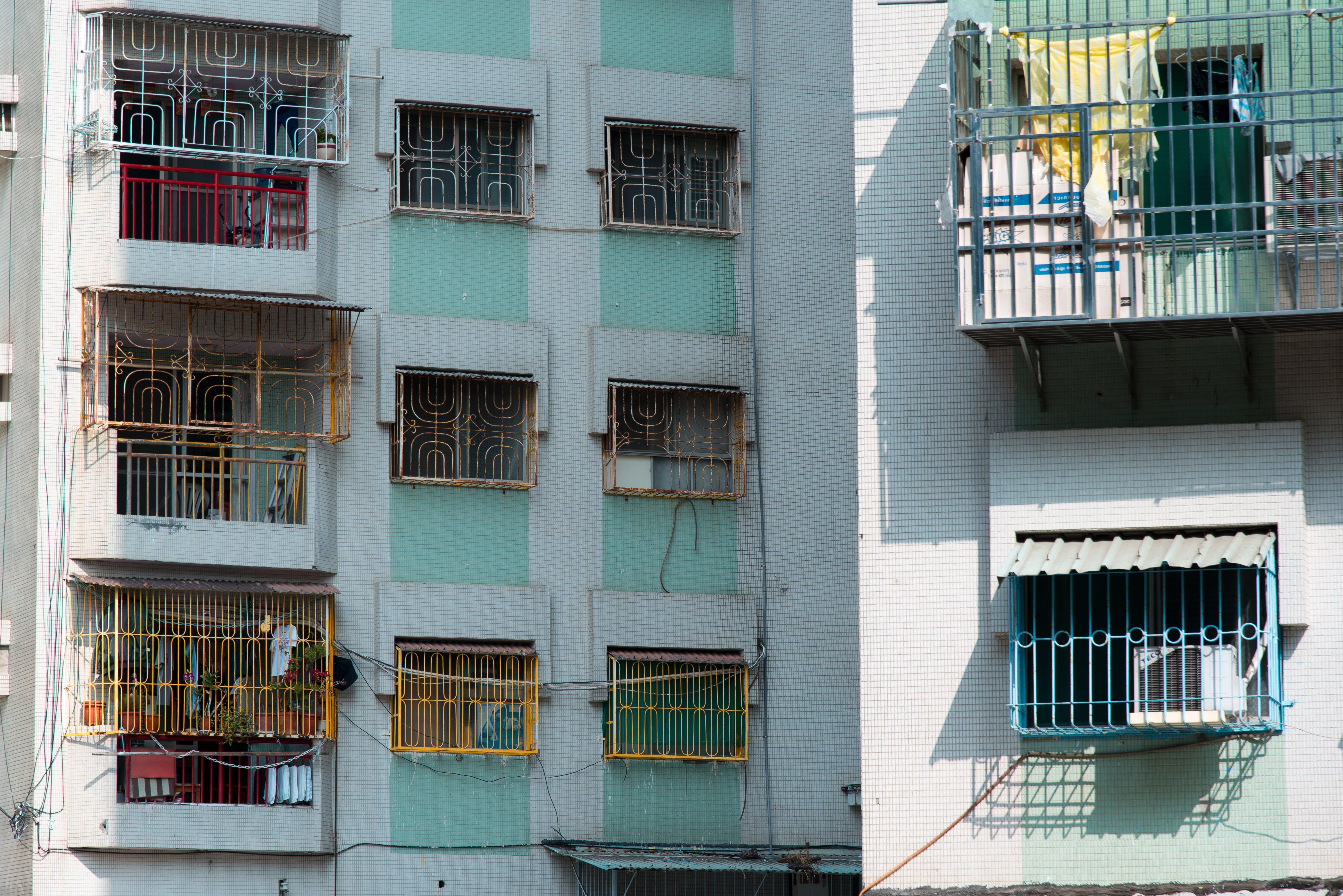 Fotobanka sbezplatnými fotkami na tému apartmány, Ázia, balkóny, budova