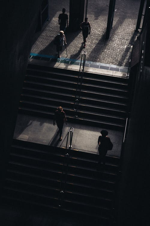 adımlar, aşındırmak, bina, çelik içeren Ücretsiz stok fotoğraf