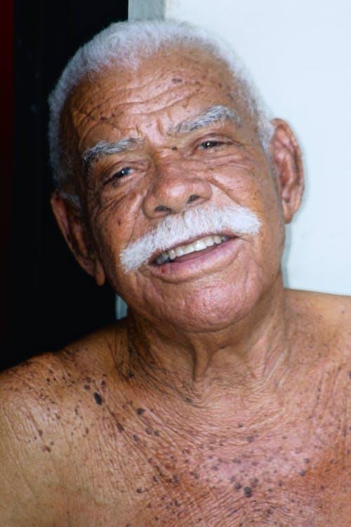 Foto stok gratis fotografi potret, hikmat, pria dominika, pria tua