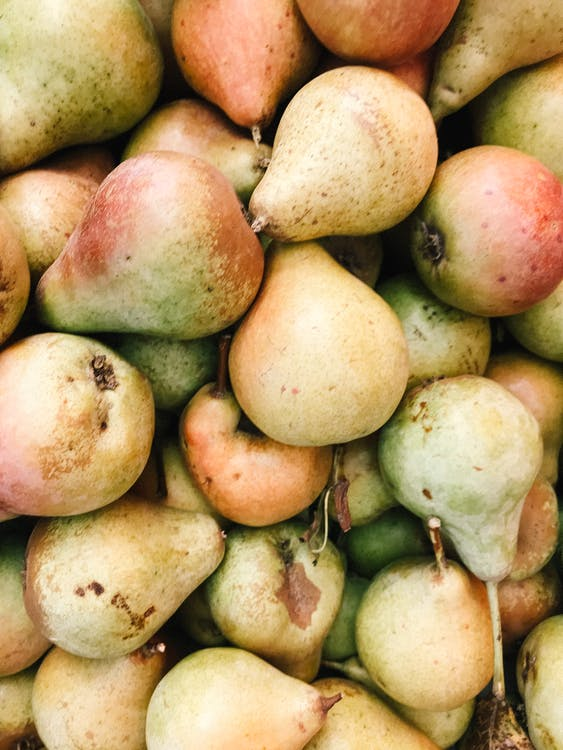 Close-up Photo of Bunch of Pears