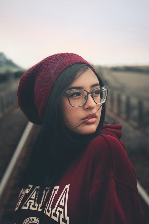 Kostnadsfri bild av ansiktsuttryck, attraktiv, fokus, fotografering