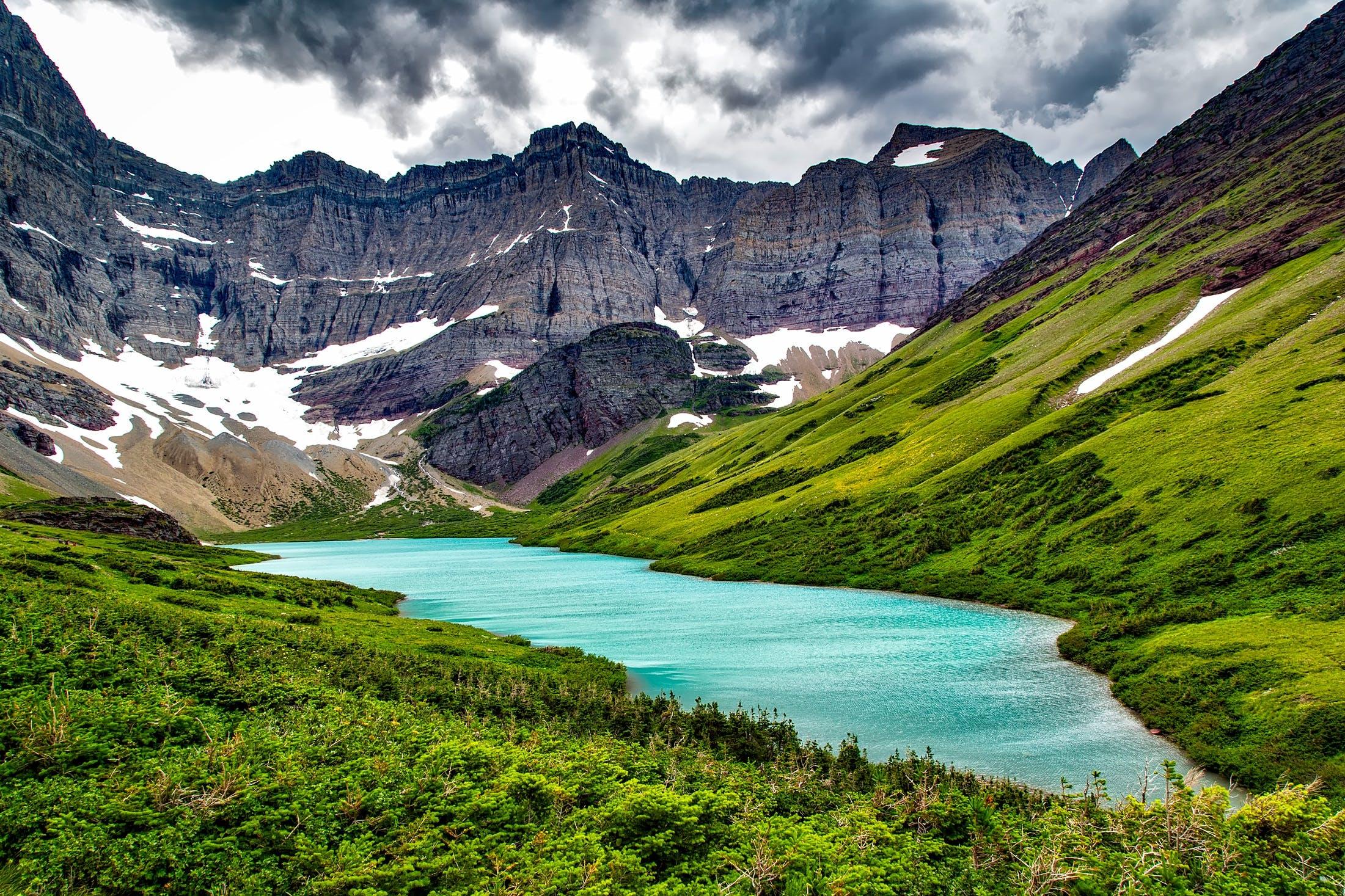 Kostenloses Stock Foto zu alpin, bäume, berge, canyon