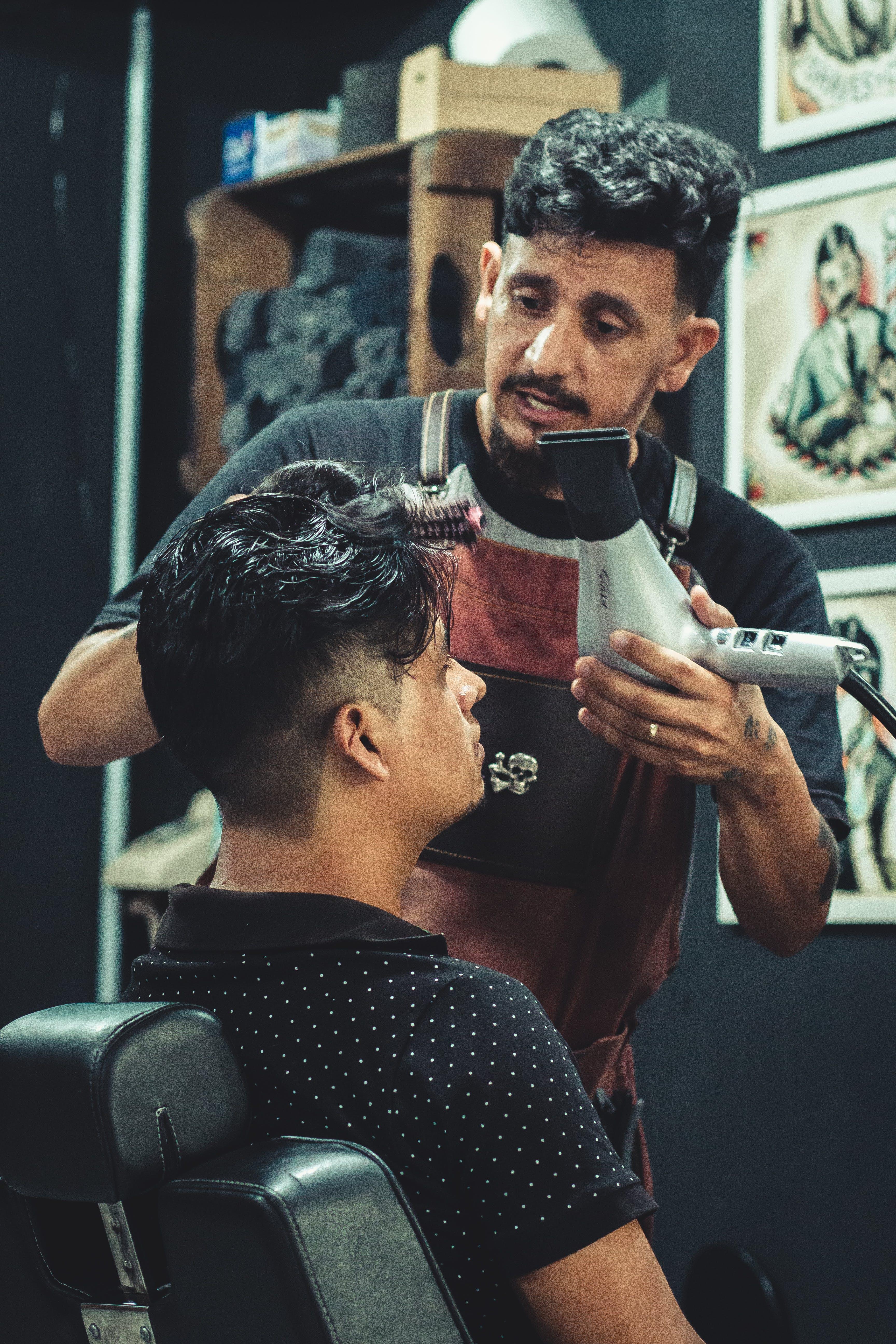 Photos gratuites de barbier, coiffant, coiffeur, coiffure