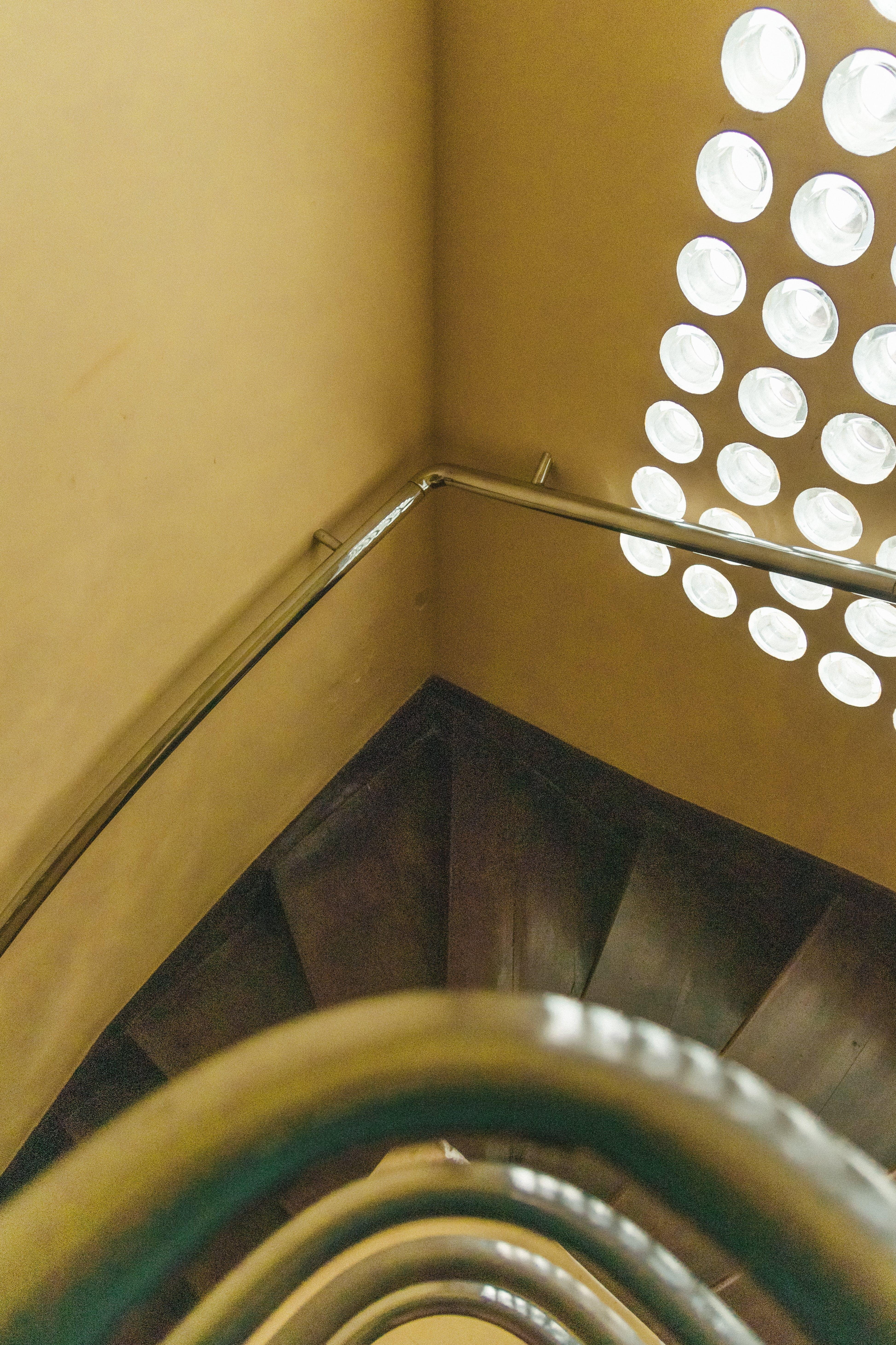 Fotos de stock gratuitas de acero, adentro, arquitectónico, arquitectura