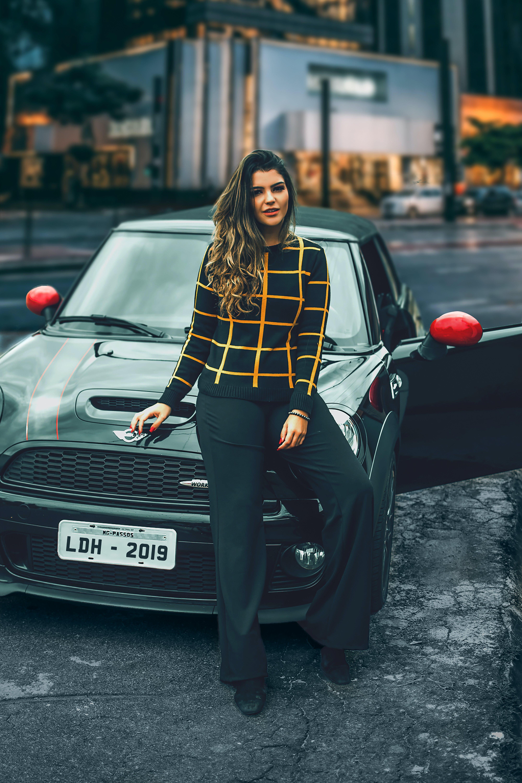 Kostnadsfri bild av attraktiv, bil, elegant, fokus
