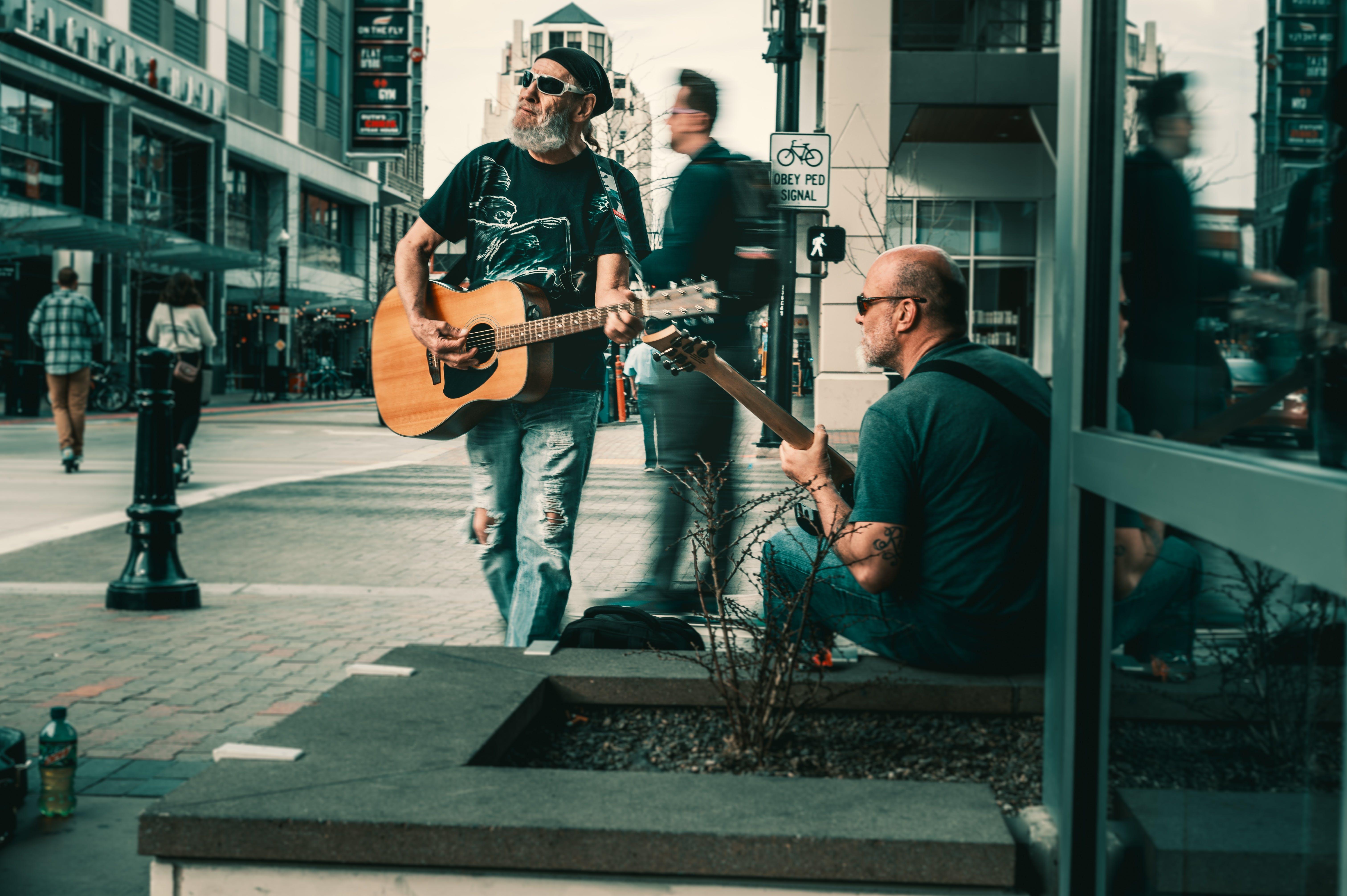 Foto stok gratis alat-alat musik, artis, dewasa, gitaris