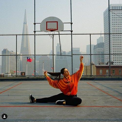 Photos gratuites de fille en chemise orange, instagram, jeune fille, new york