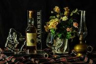 flowers, alcohol, bar