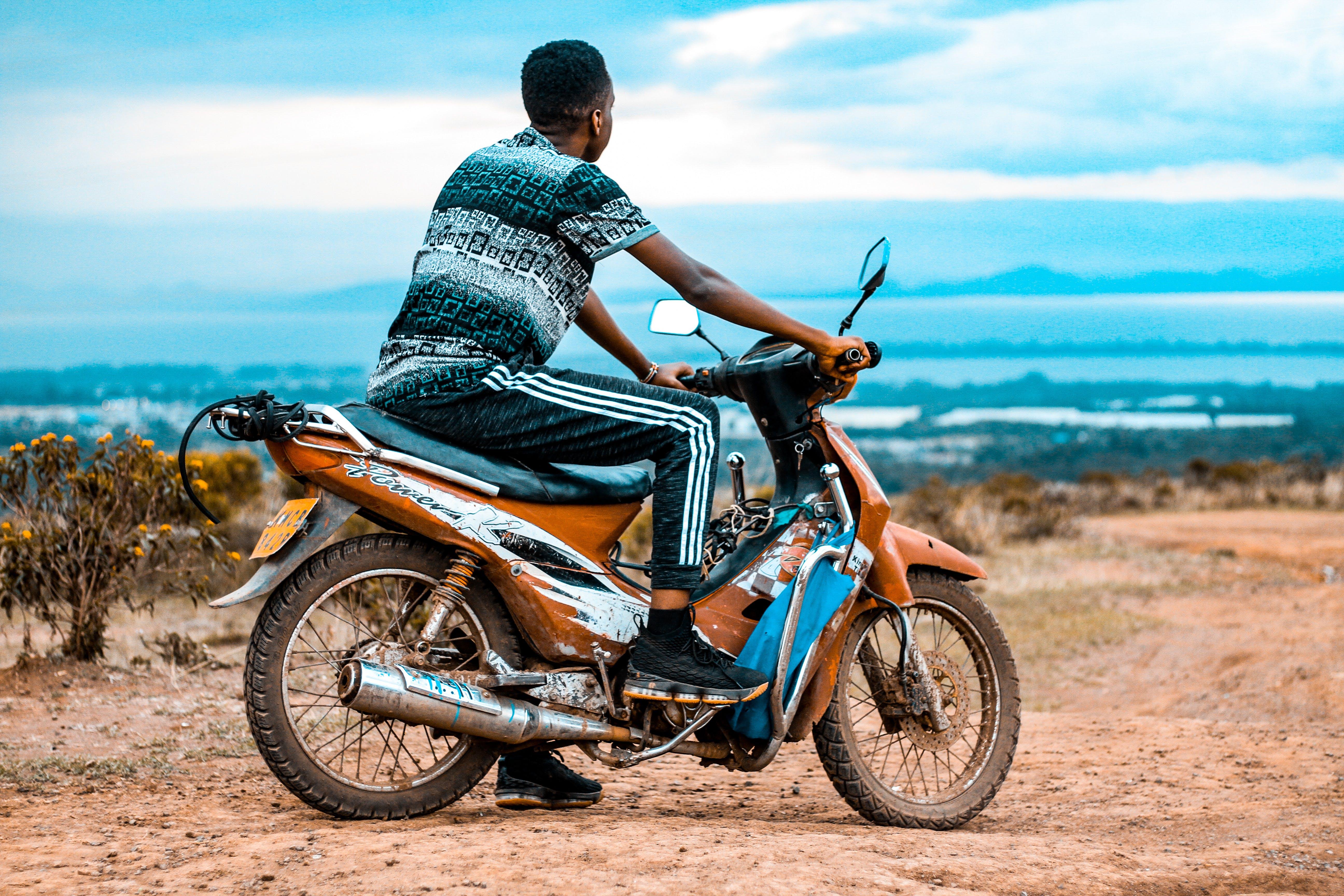 Fotos de stock gratuitas de carretera, equitación, hombre, moto