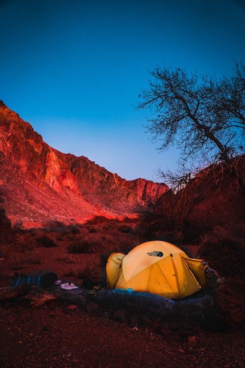 Gratis lagerfoto af bjerge, blå himmel, Camping, dagslys