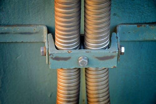 Foto profissional grátis de aço, alta tensão, dentro de casa, eletricidade