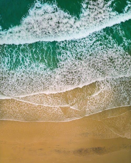Gratis arkivbilde med bølger, dagslys, dagtid, dronebilde