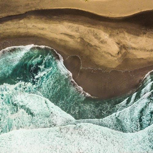Foto profissional grátis de à beira-mar, beira-mar, costa do oceano, fotografia com drone
