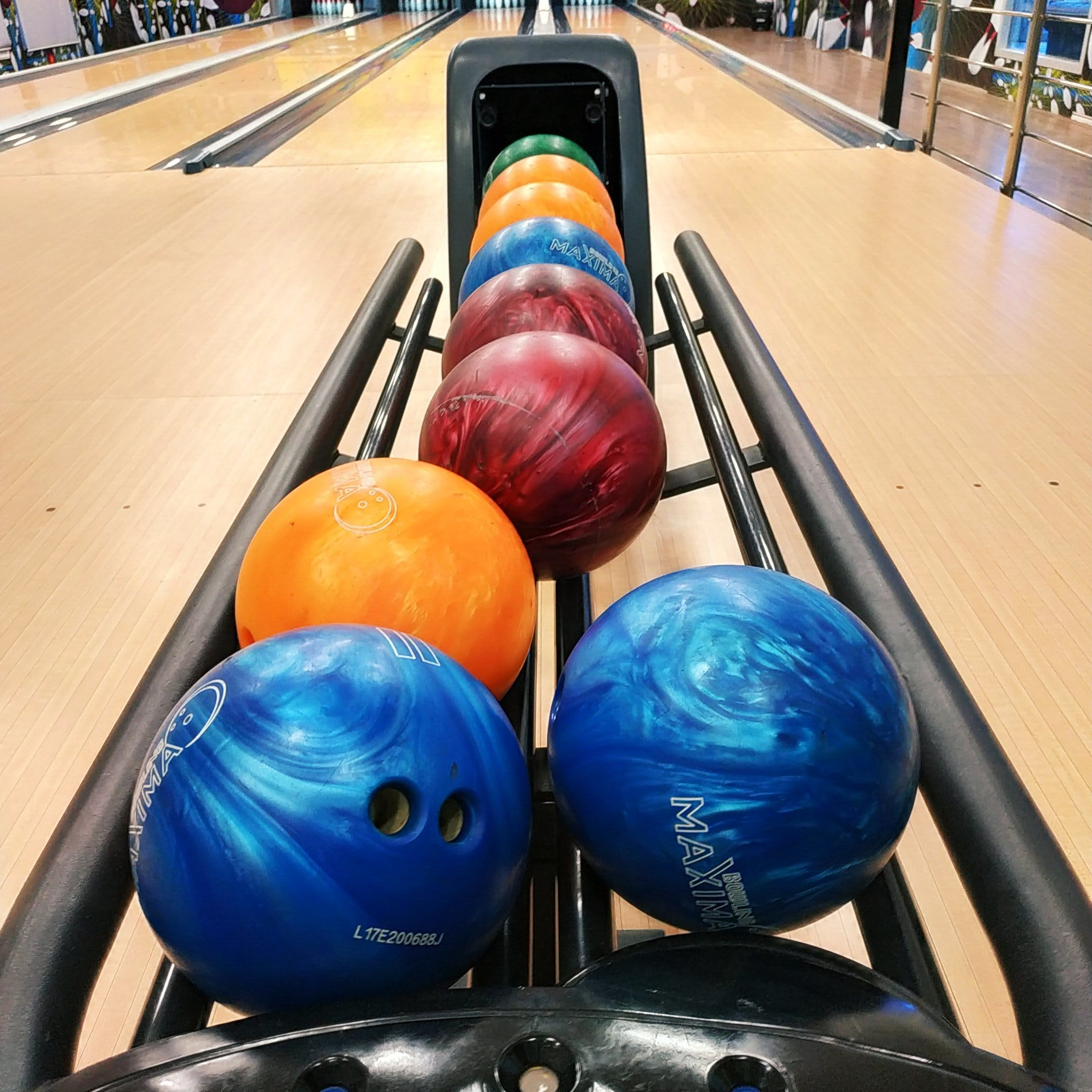 Free stock photo of bowling balls, colors, play