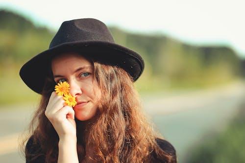 Imagine de stoc gratuită din adâncime de câmp, adorabil, atrăgător, brunetă