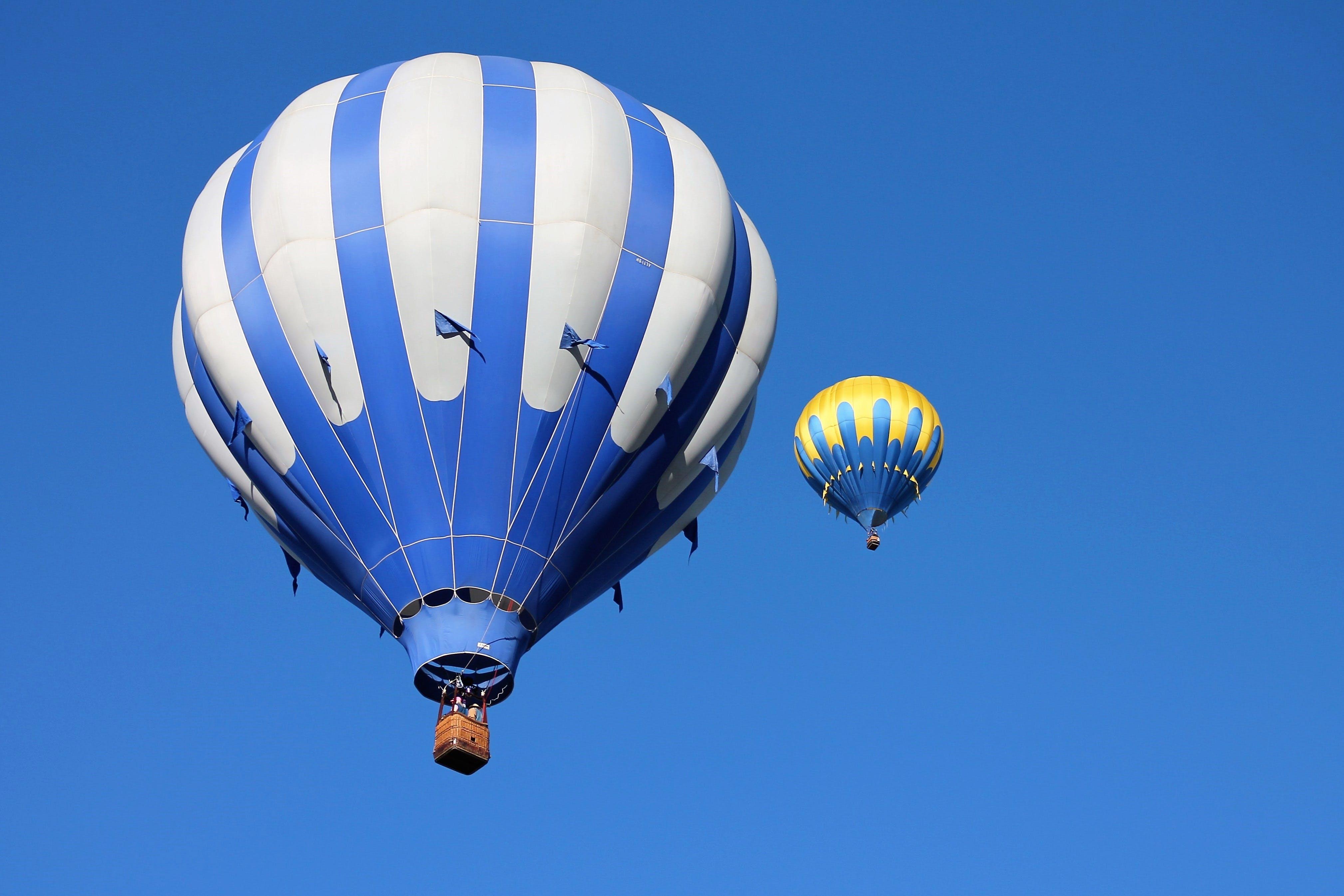 Kostenloses Stock Foto zu abenteuer, aktivität, blau, blauer himmel