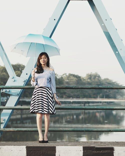 Fotobanka sbezplatnými fotkami na tému atraktívny, človek, dáma, dáždnik