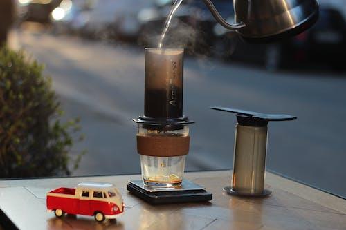 Foto stok gratis berbayang, ceret, kaca, kafein