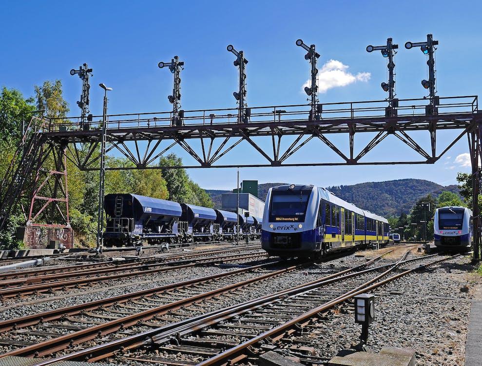 강철, 교통체계, 기차