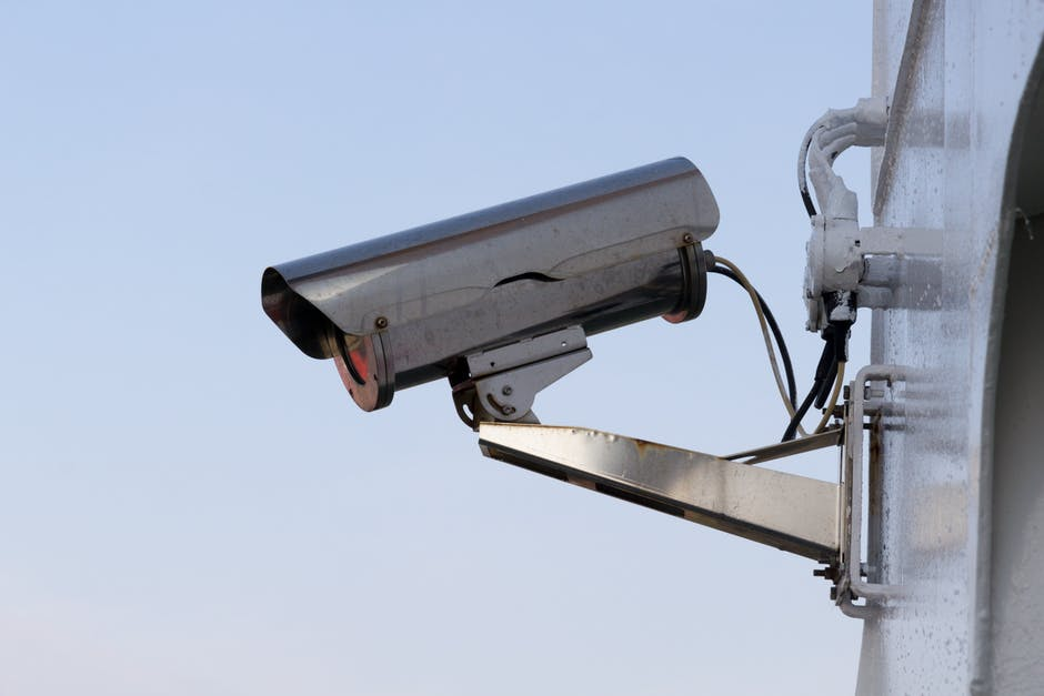 Silver security camera free stock photo - Camera de surveillance factice ...
