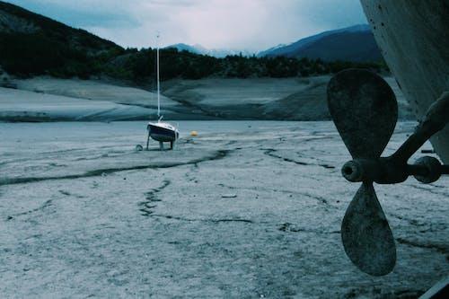 Kostnadsfri bild av båtar, berg, bergen, dagsljus