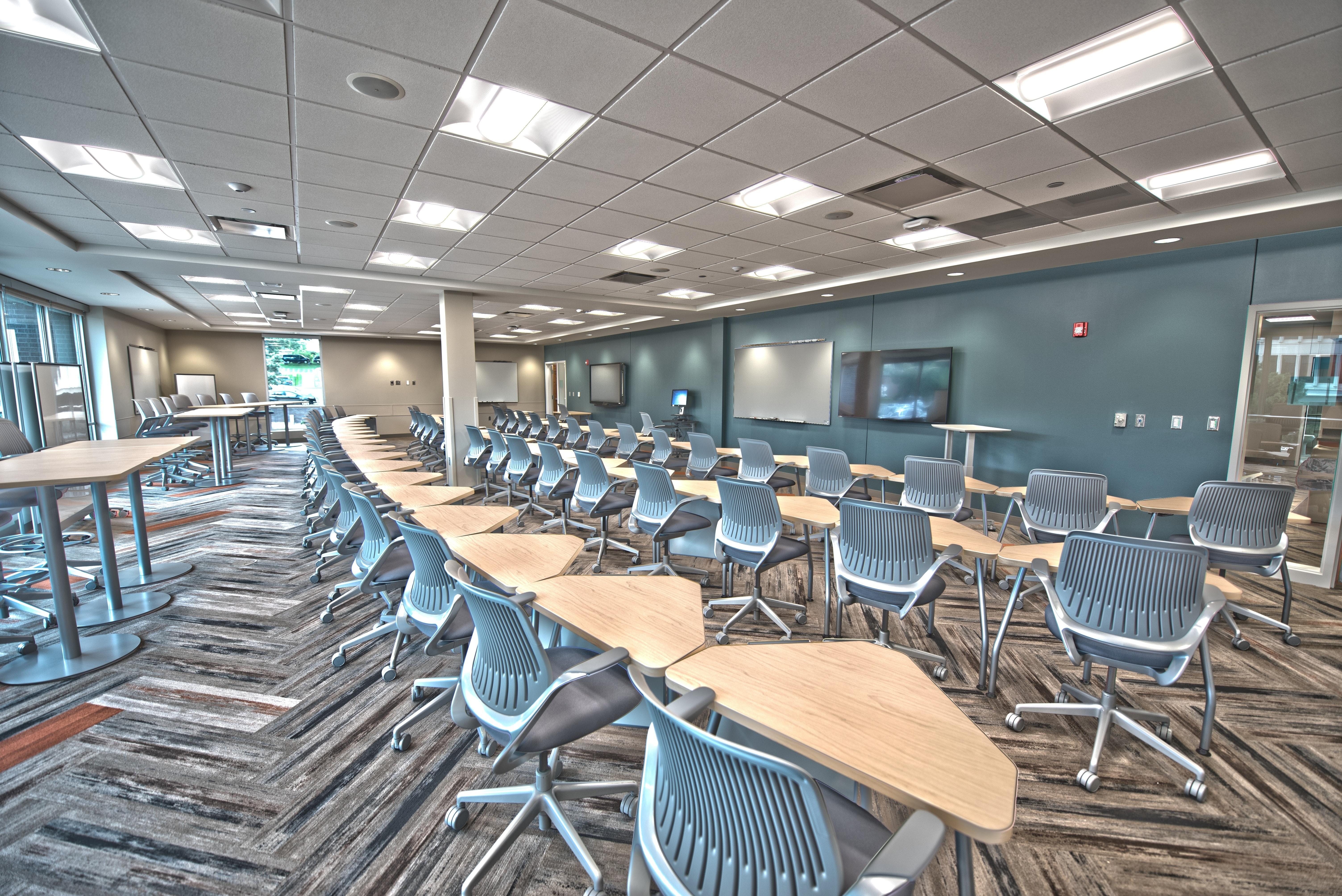 Modern Classroom Management ~ Amazing desks photos · pexels free stock