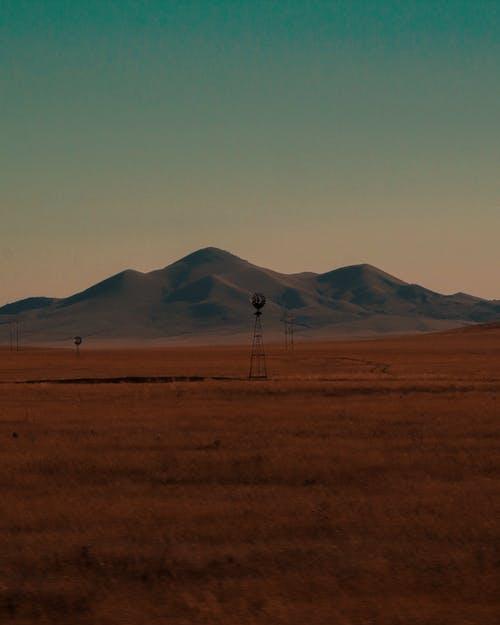 Безкоштовне стокове фото на тему «віддалений, вітрогенератори, вечір, гора»