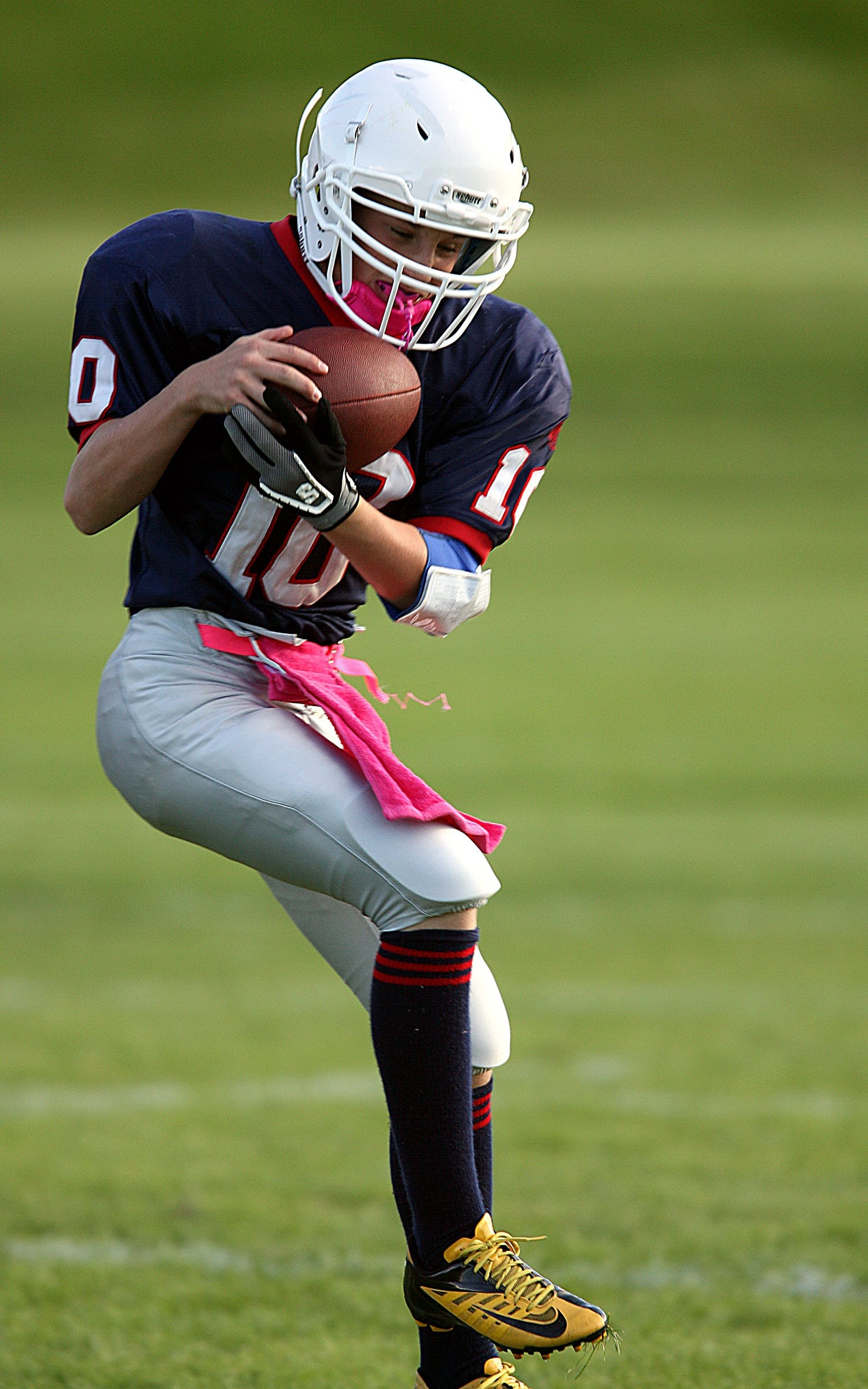 Kostenloses Stock Foto zu action, american football, american football-spieler, athlet