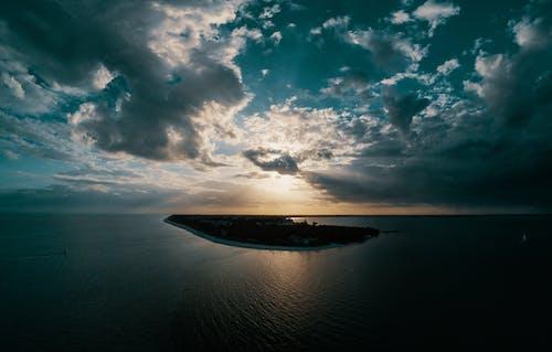 Základová fotografie zdarma na téma cestování, fotka zvysokého úhlu, moře, mraky