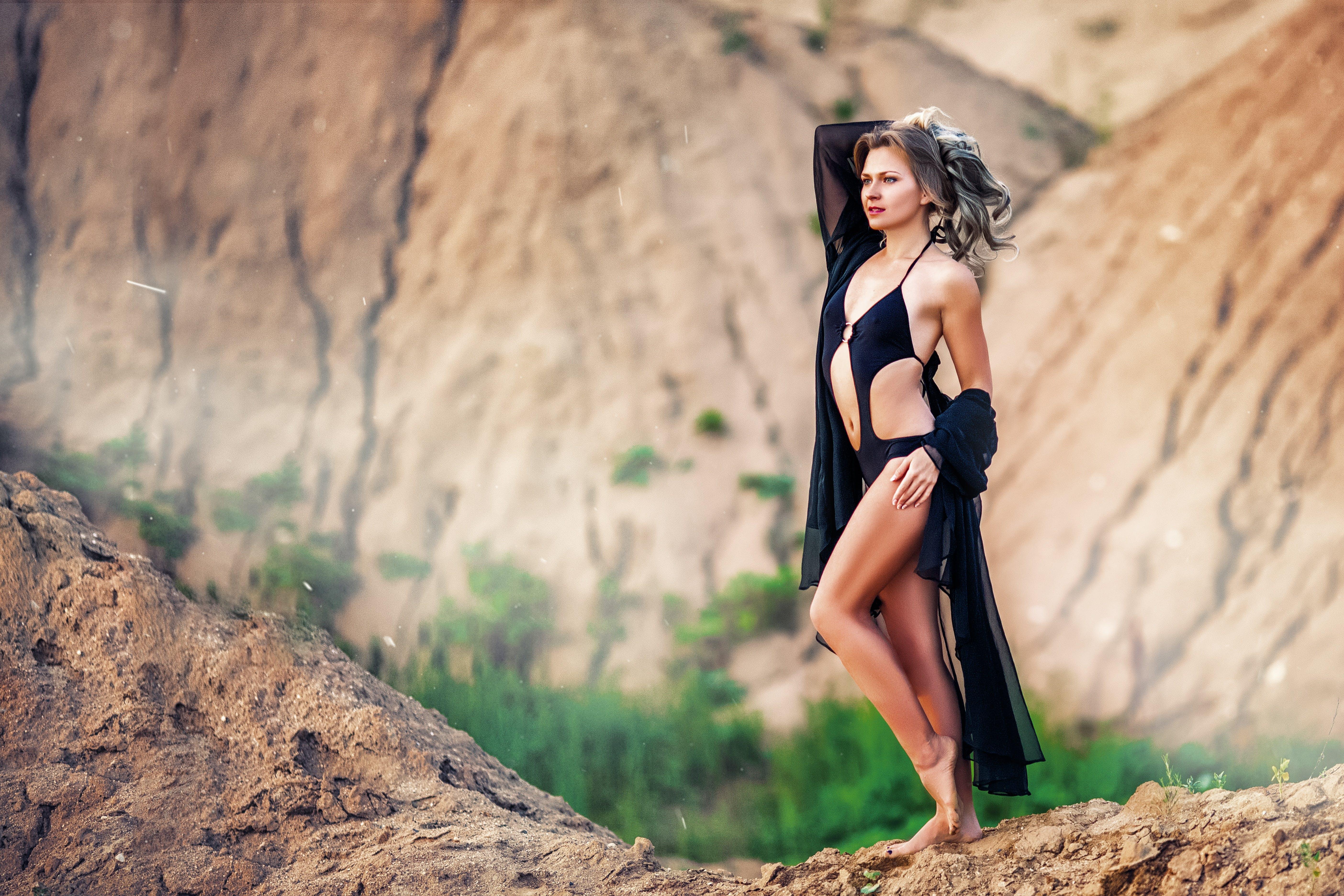 Kostenloses Stock Foto zu berg, bikini, draußen, erwachsener