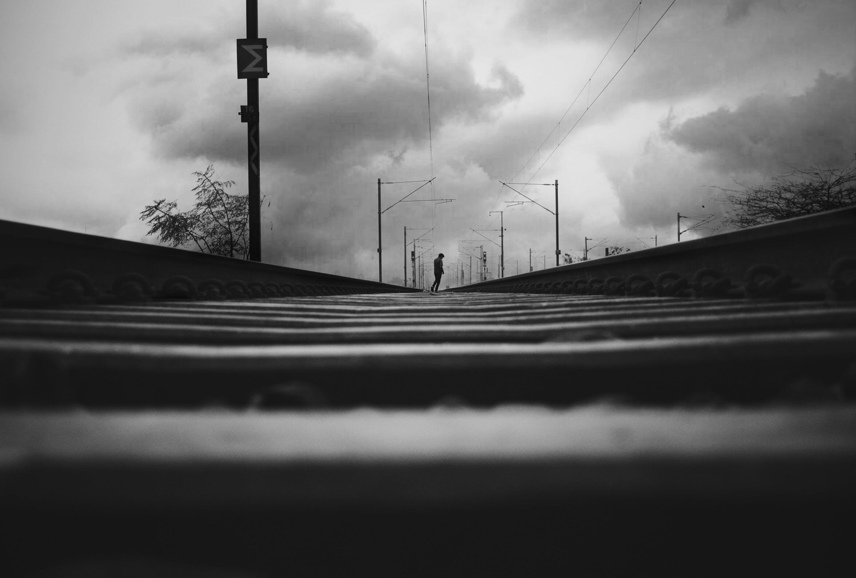 Základová fotografie zdarma na téma černobílá, cestování, dopravní systém, lehký