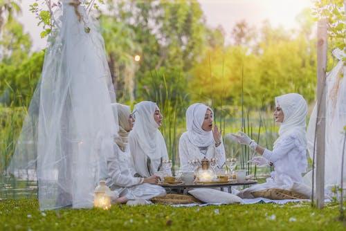 결혼, 공원, 녹색, 드레스의 무료 스톡 사진