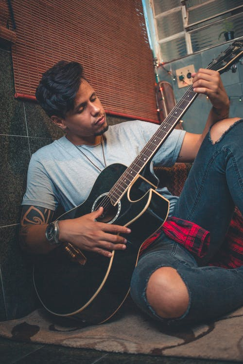 gitarr, gitarrist, ha på sig