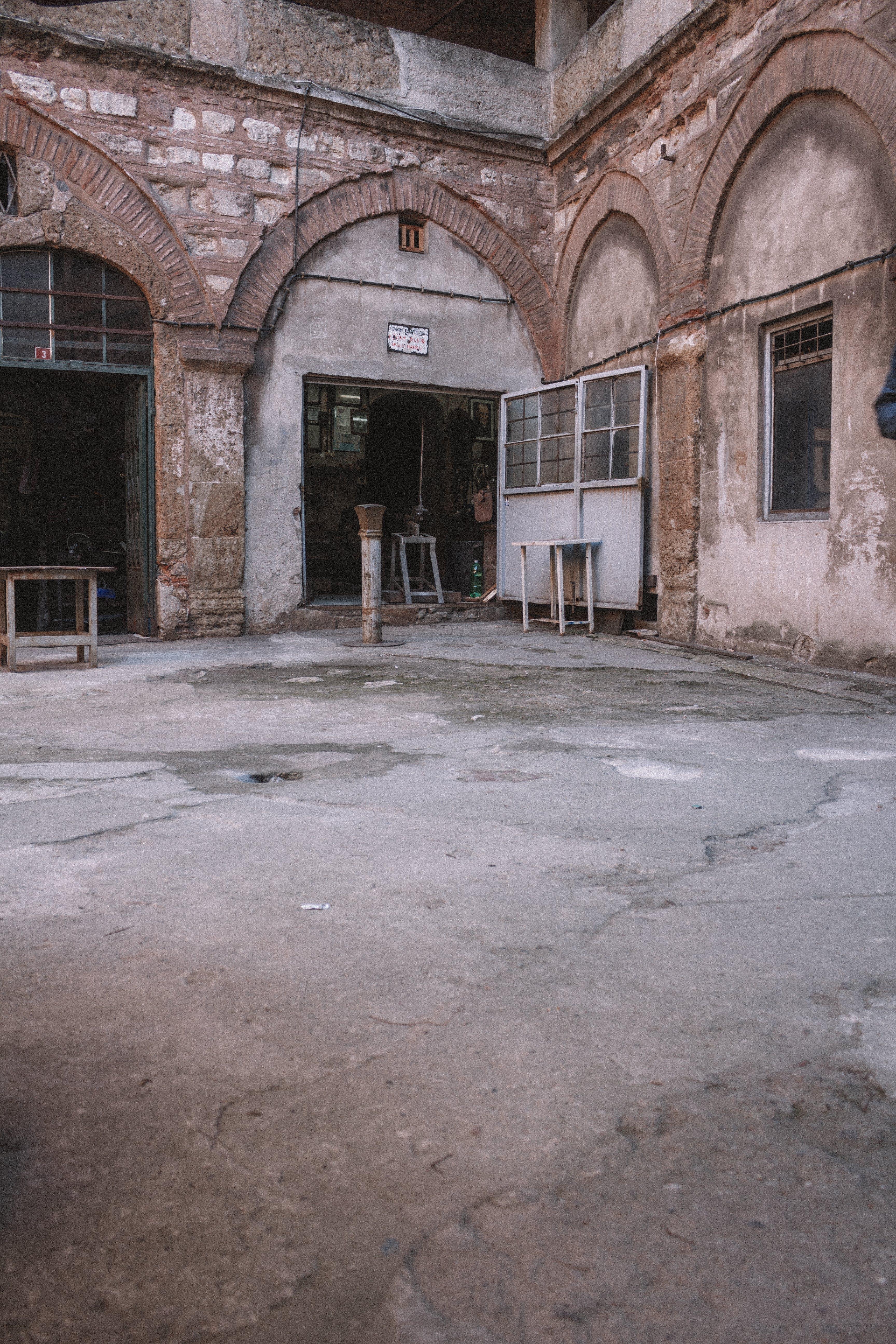 Foto stok gratis Arsitektur, bersejarah, beton, diabaikan
