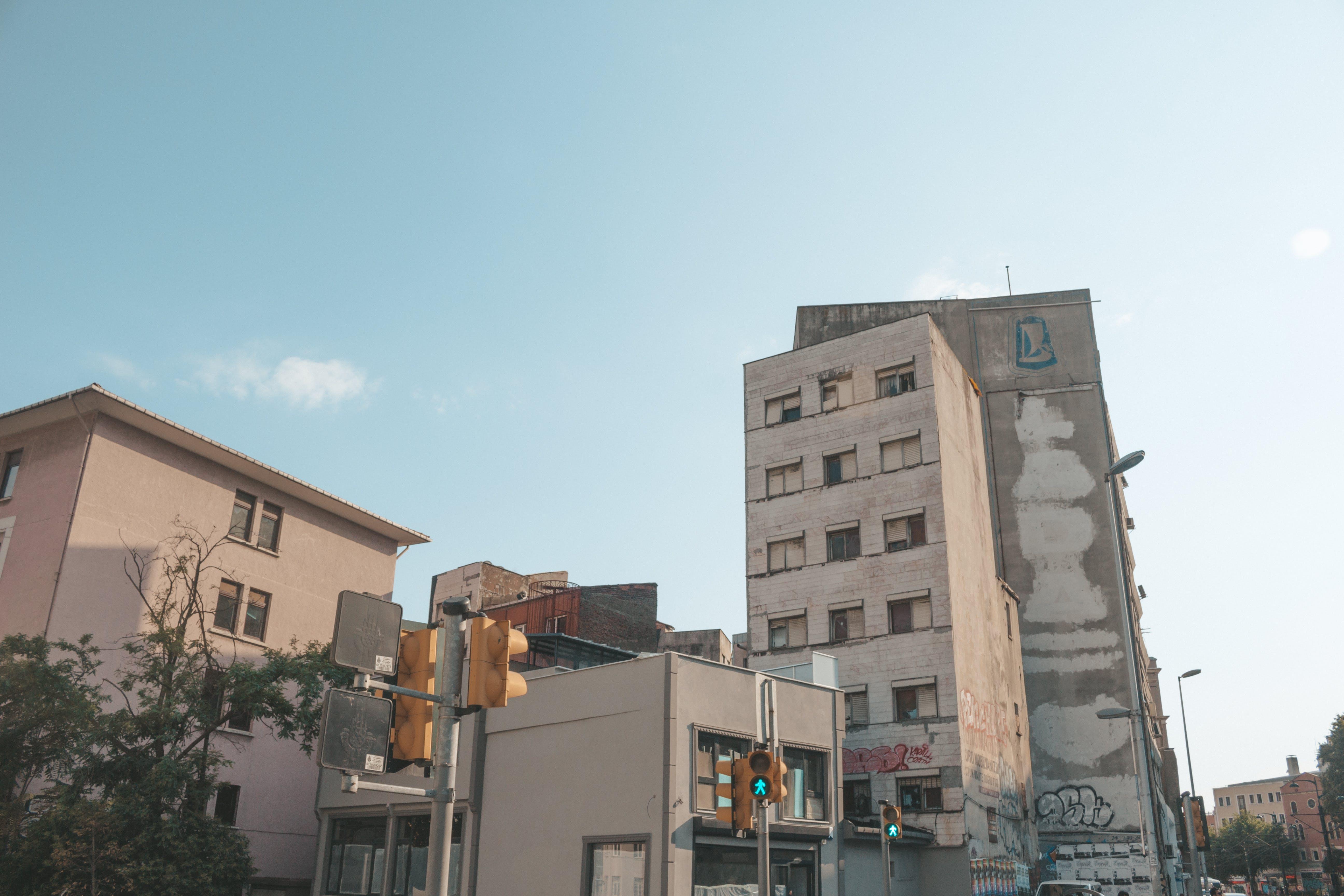 低角度拍攝, 公寓, 外觀, 天空 的 免費圖庫相片