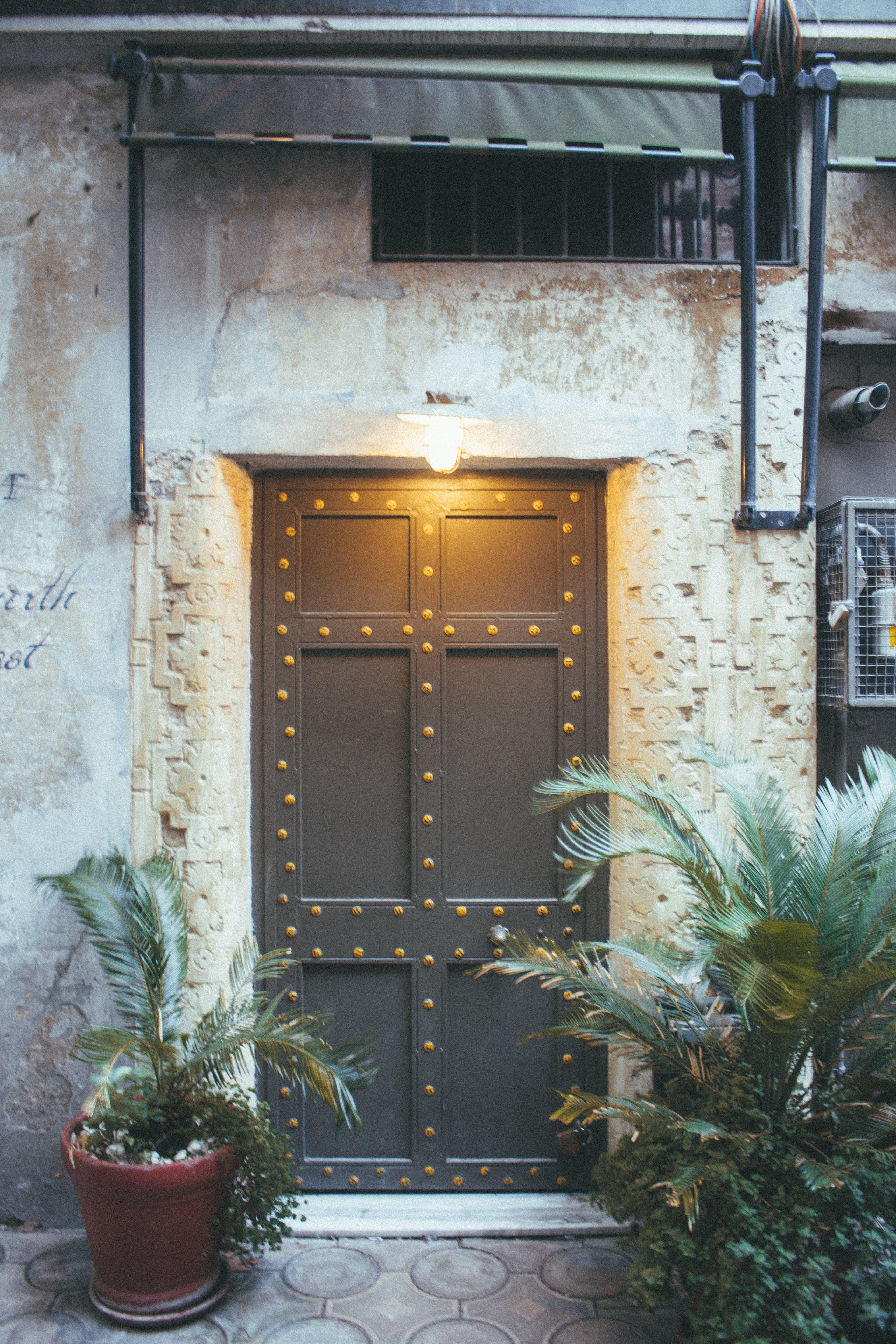 Δωρεάν στοκ φωτογραφιών με αρχιτεκτονική, είσοδος, ελαφρύς, εξωτερικός χώρος